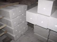 Marble columns with a section of 10х10 cm, L to