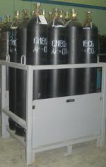 Mixes welding gas