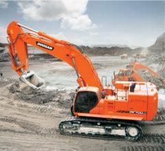 Caterpillar Doosan DX700LC excavator