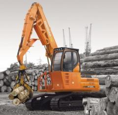 Doosan DX225LL wood overloader