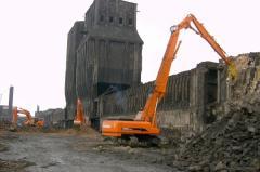 Destroyer of buildings of Doosan S420LC-V