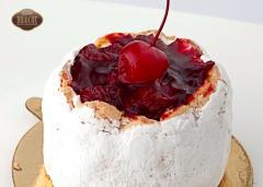 Пирожное Вишневая Шарлотка