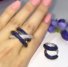 Кольцо с камнями сиреневого оттенка