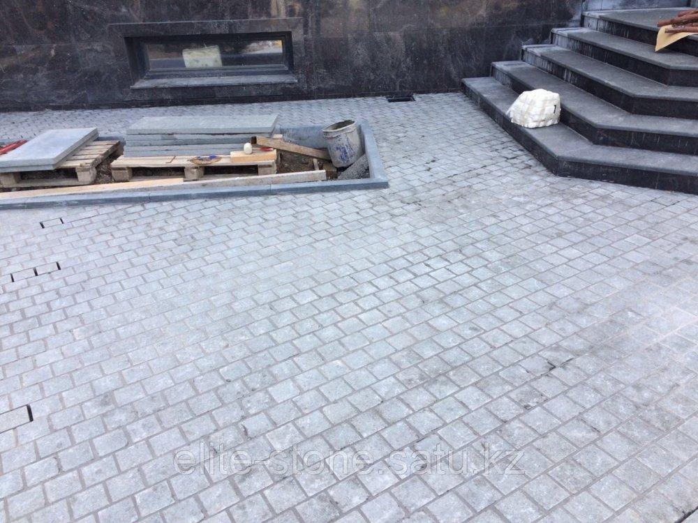 Гранитная брусчатка пиленая с обжигом в алматы изготовление памятников в москва у ярославского вокзала