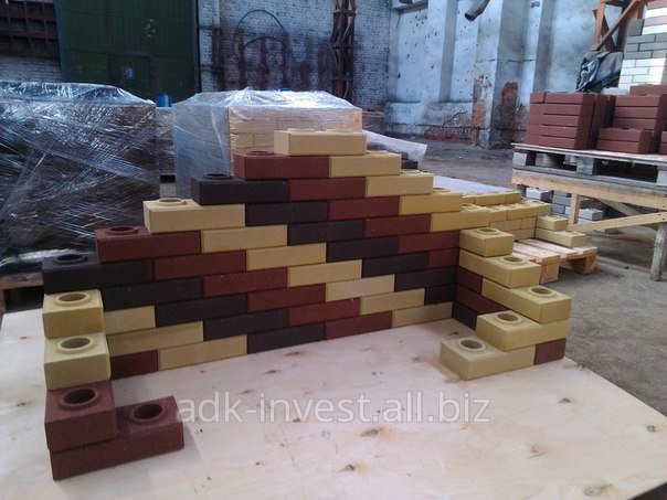 avtomaticheskij_stanok_dlya_proizvodstva_lego