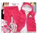 Одежда спортивная:Женский  спортивный костюм малинового цвета
