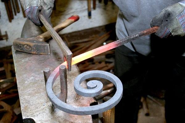 Как сделать ковку металла своими руками 4