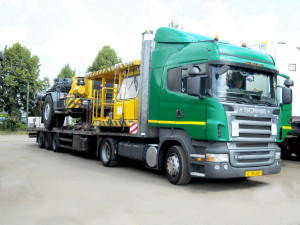 Заказать Международные автомобильные грузоперевозки Европа-СНГ свои собственным транспортом