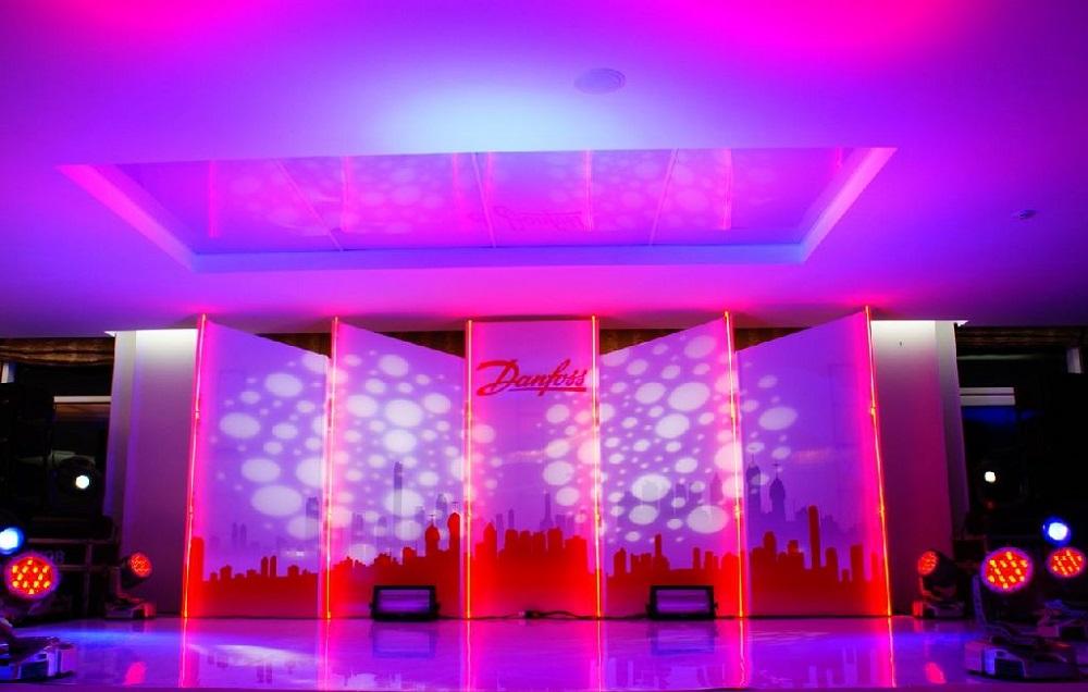 Заказать Оформление сцены, изготовление декорация для сцен, реквизиты для мероприятий, разработка декораций
