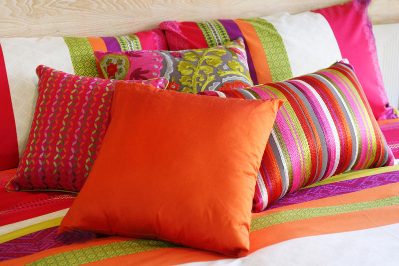 Картинки подушки на диван