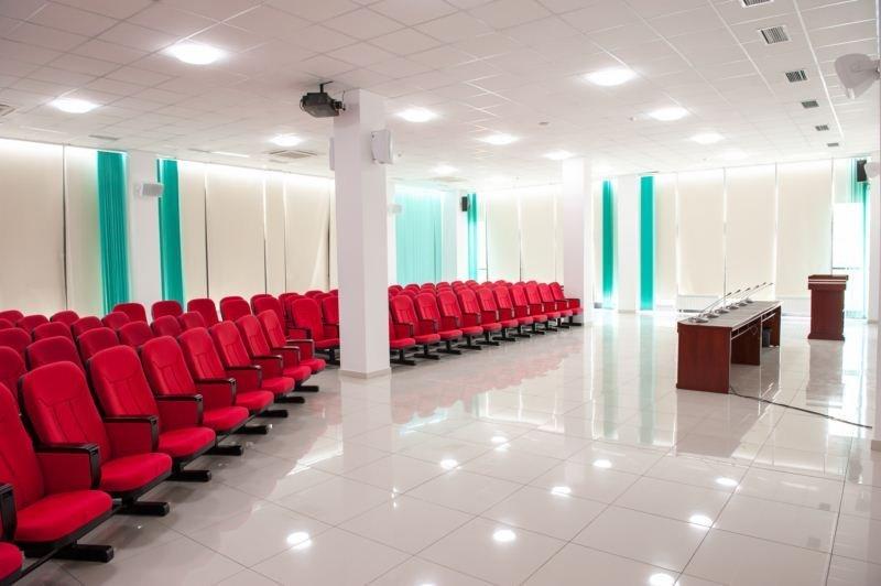 Заказать Проведение деловых встреч и конференций