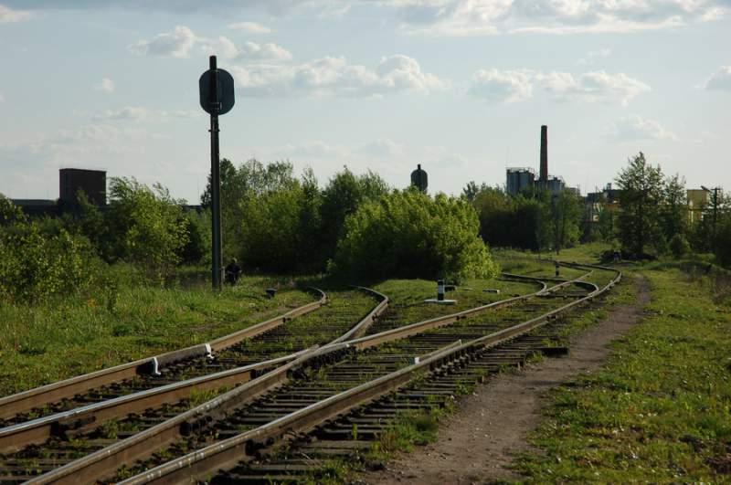 Услуги железнодорожных подьездных путей по приемке,отгрузке,перевалки различных грузов,насыпью,тарно-штучных,оборудования,масличных культур