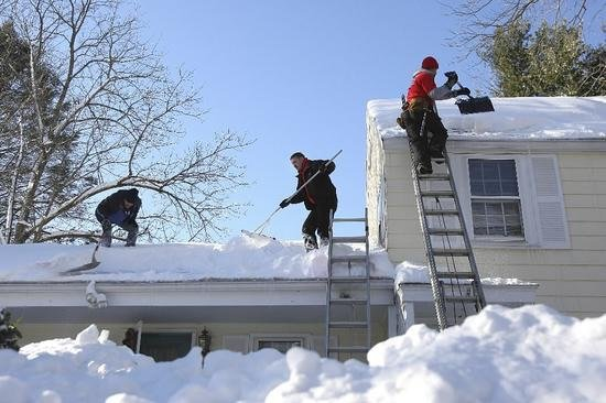 Order Cleaning of roofs snow cleaning