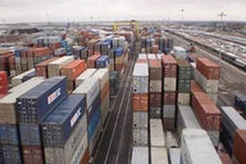 Заказать Услуга связанная с предъявлением грузов к перевозке