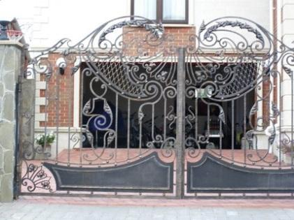Заказать Кованые ворота в Актау