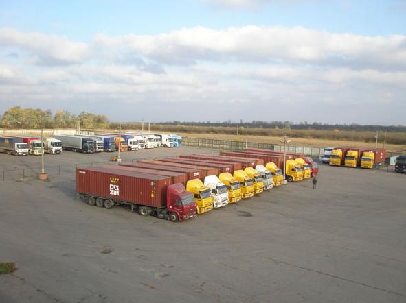 Заказать Аренда стоянки для грузовых автомобилей