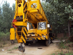 Заказать Аренда автокрана в Казахстане, 160 тонный кран с оператором