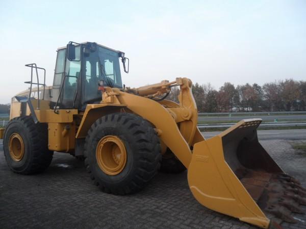 Заказать Прокат и аренда погрузочно-разгрузочных машин и оборудования, 966 Caterpillar погрузчик с оператором