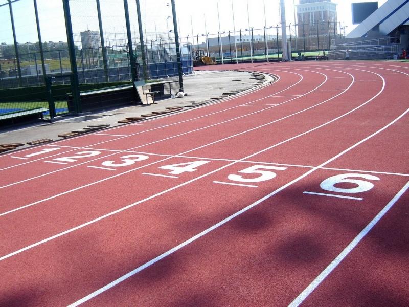 Укладка спортивных беговых дорожек
