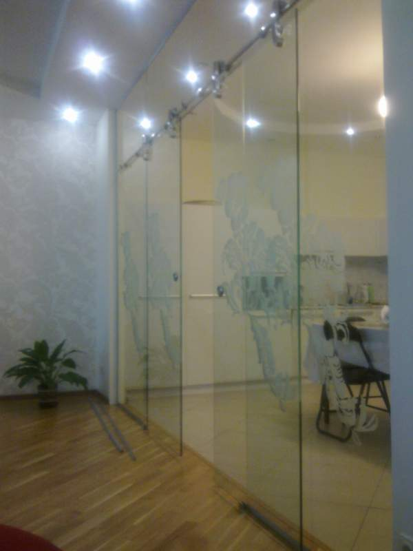 Order Glass sliding doors, from HAFELE accessories
