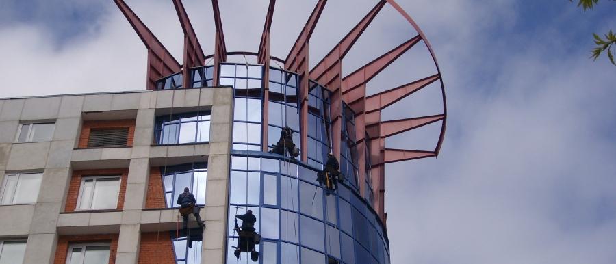Заказать Мытье окон, фасадов- высотные работы
