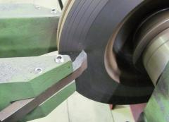Pro-point of brake disks and drums on the lathe