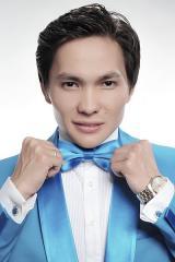 The host Ruslan in Almaty bilingual