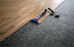 Installation, laying of a laminate