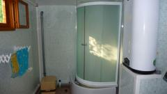 Installation of a shower cabin