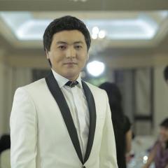 The opera singer on a wedding in Almaty