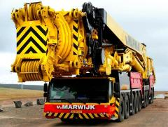 Services of truck cranes with a loading capacity