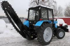 Service of the MTZ-82 tractor (bar)