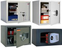Guarantee service of safes