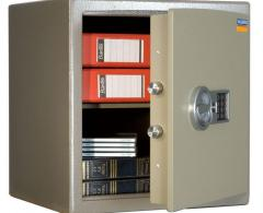 Guarantee maintenance of safes
