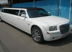 Hire limousine of Crysler 300 C (8 places)