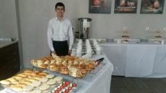 Официанты в Астане