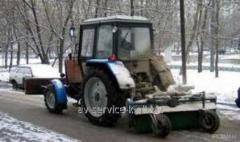 Аренда уборочной для дорог трактор-щетка