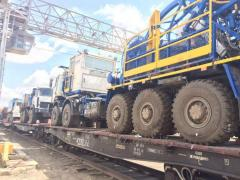 Unloading and loading of equipment in Akta