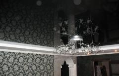 Монтаж глянцевых натяжных потолков модель 5