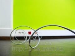 Laying optical cable indoor