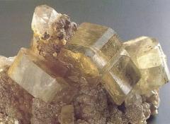 Добыча сапфиров, камнецветных минералов