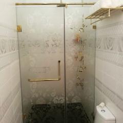 Душевые кабины изготовление, стеклянные перегородки и шторки в ванную