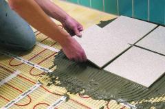 Laying of tile trim