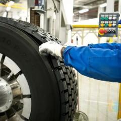 Restoration of truck tires