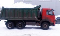 Уборка снега самосвалом