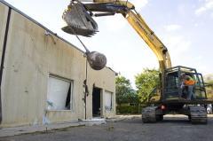 Разрушение строений с последующим вывозом