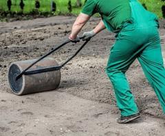 Подготовка участка под газон, планировка участка
