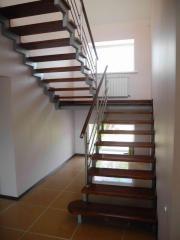 Металлическая лестница в Актау