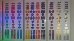 Изготовление гравированных номерков для гардеробов и бейджей