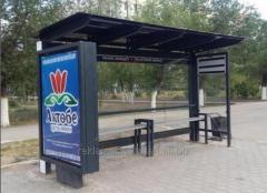 Наружная реклама на остановках.